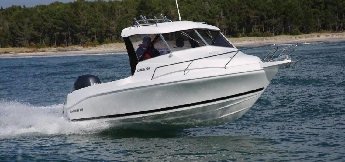 Caribbean 19 Cavalier Hardtop boat